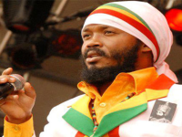 Roots Reggae Singer Warrior King delivers solid performance in Mexico