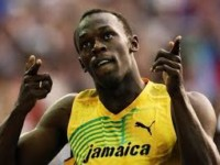 London2017: Bolt says starting blocks 'the worst ones ever' (VIDEO)