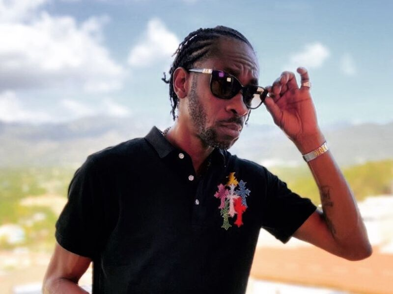 Poor People Governor Bounty Killer Donates 40 Tablets To Seaview Gardens Primary School